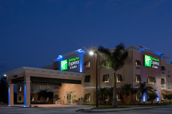 The Holiday Inn Express & Suites Marathon