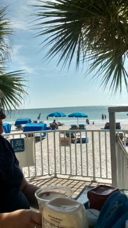 Doubletree Beach Resort by Hilton Tampa Bay / North Redington Beach: View from outdoor dining area