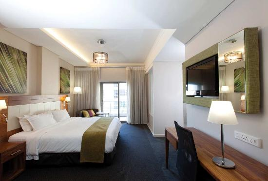 DoubleTree by Hilton Cape Town - Upper Eastside Hotel