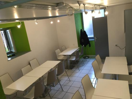 Salle manger picture of la kebaberie colombier for Salle a manger louis 16