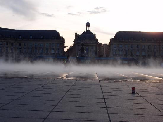 Lindo lugar picture of miroir d 39 eau de bordeaux for Miroir d eau