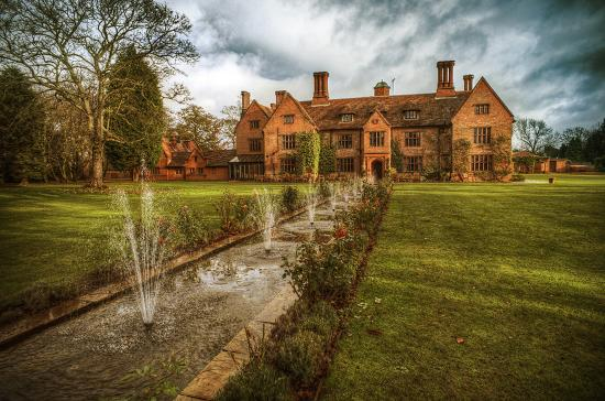 Woodhall Manor Hotel
