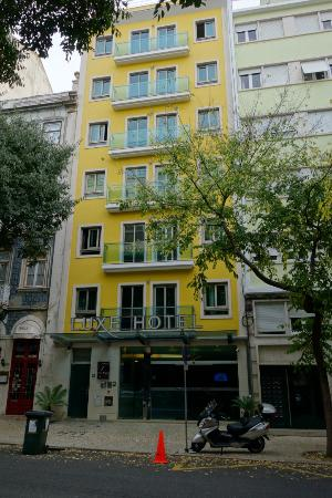 Luxe Hotel by Turim Hoteis: View from the street