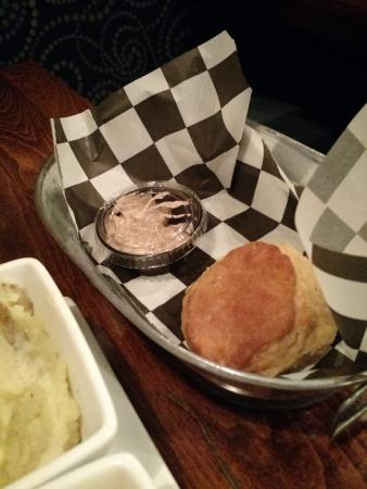 Smoked Bar & Grill: Biscuits