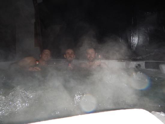 Haute-Savoie, France: Hot tub