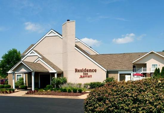 Residence Inn St. Louis Galleria Photo