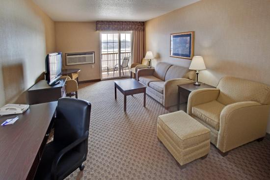 Suite picture of holiday inn express le claire for Motel le suite pudahuel