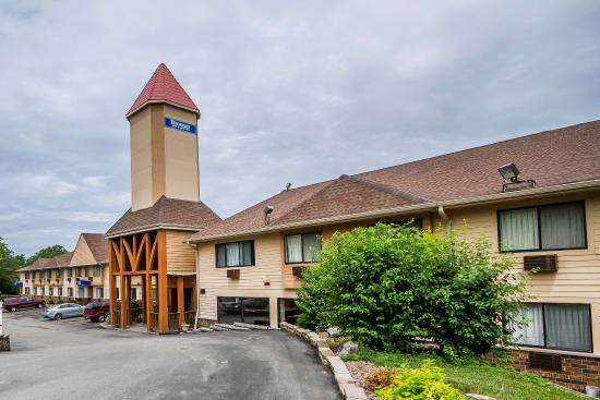 Rodeway Inn & Suites Madison-Northeast