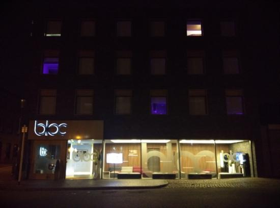 night lights picture of bloc hotel birmingham