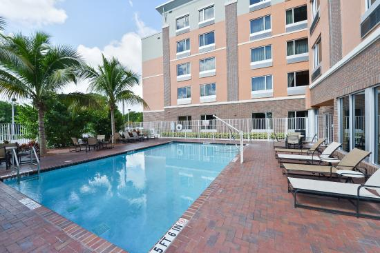 Cambria & Suites Fort Lauderdale, Airport South & Cruise Port Hotel