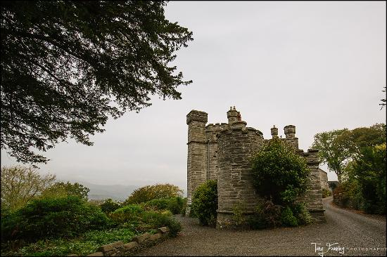 Machynlleth, UK: Outside the castle, as you drive up.