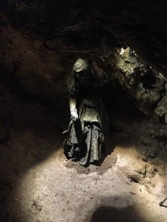 Mother Shipton's Cave and The Petrifying Well: photo1.jpg