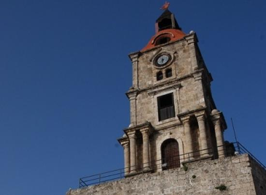 旧市街の時計塔 - Picture of Roloi Clock Tower, Rhodes Town ...