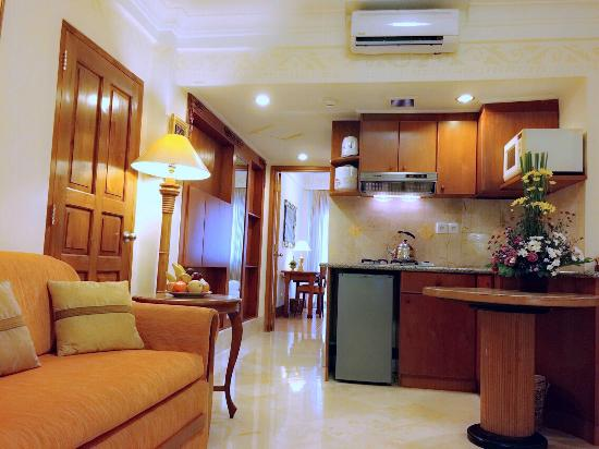 Club Bali Family Suites at Legian Beach