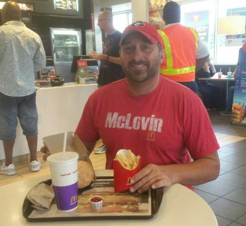Byron, Джорджия: Quarter pounder deluxe is what I McLovin today and eveyday.. $6.62..