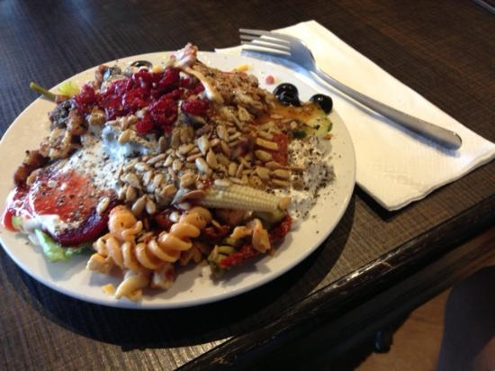Abominable Service - Review of Selkirk Pizza & Taphouse ...