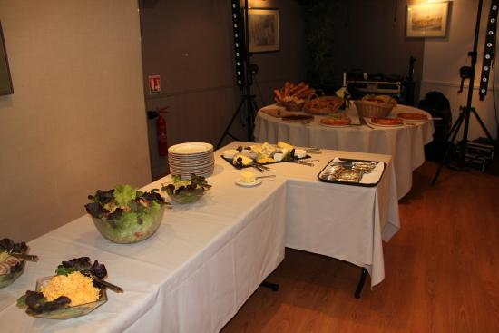 Brunch picture of hostellerie de la porte bellon - Hostellerie de la porte bellon senlis france ...