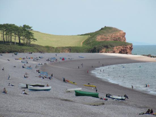 Budleigh Salterton, UK: View to the east from further along the beach