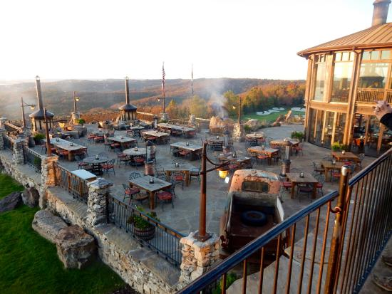Osage Restaurant is the cornerstone dining experience featuring upscale regional cuisine in a stunning dining room with sweeping Ozark Mountain views. With fine original artwork and Native American artifacts, Top of the Rock's Osage Restaurant is a fascinating destination where guests can .