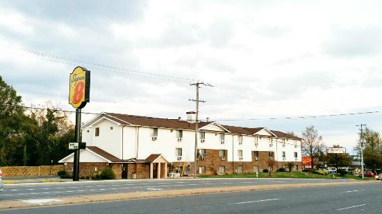 Super 8 Motel Richmond/Broad Street