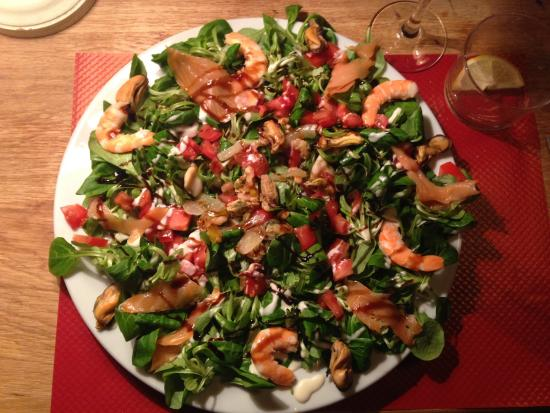 seafood salad picture of la cabane toulouse tripadvisor. Black Bedroom Furniture Sets. Home Design Ideas