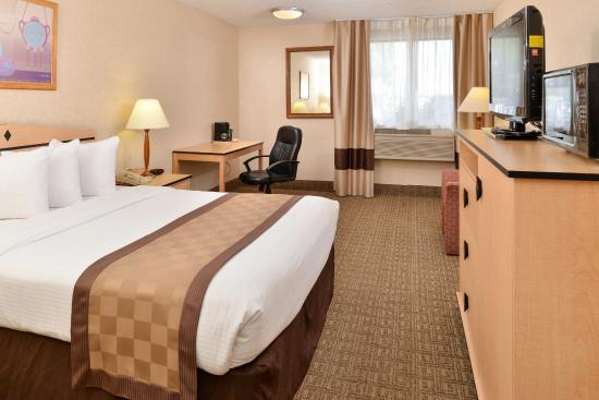 Lexington Inn & Suites - Denver Airport at Gateway Park