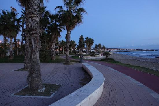 Hotel San Giorgio: The beach is right infront of the hotel