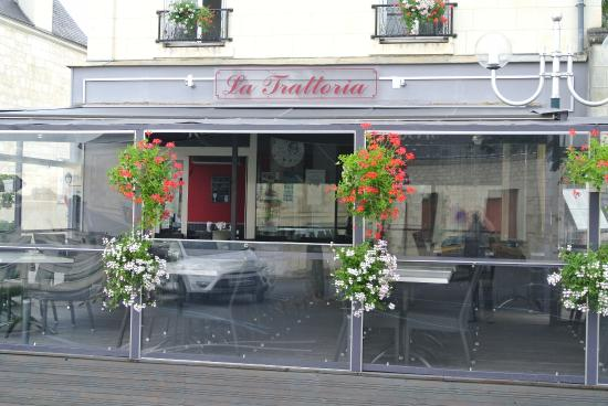 notre terrasse couverte picture of la trattoria bourgueil tripadvisor. Black Bedroom Furniture Sets. Home Design Ideas