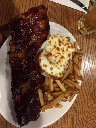 Dartmouth, Canadá: Full rack of ribs