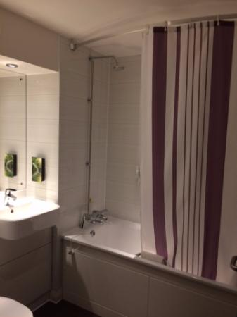 Bathroom picture of premier inn london kingston upon thames kingston upon thames tripadvisor Premiere bathroom design reviews