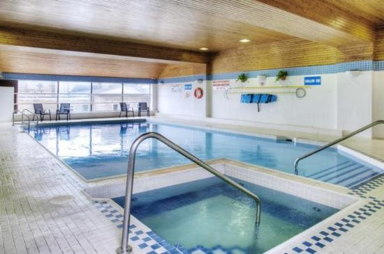 Indoor Heated Pool Picture Of Les Suites Hotel Ottawa