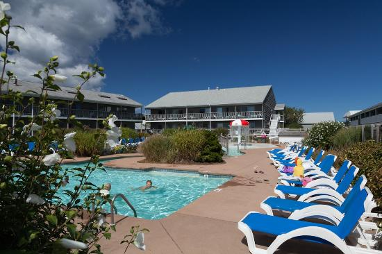 Riviera Beach Resort - Bass River