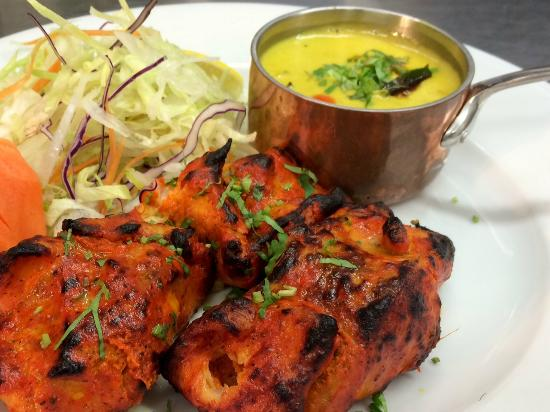 Meen moilee grilled salmon picture of aroma indian for Aroma cuisine of india