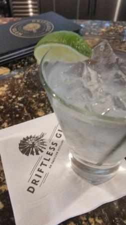 Baraboo, วิสคอนซิน: Gin and tonic made Gin from the distillery.