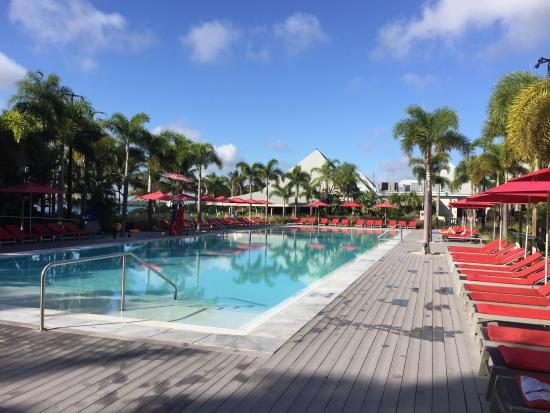 Trapeze picture of club med sandpiper bay port saint for Piscine club med gym