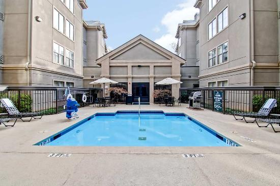 outdoor swimming pool picture of homewood suites by