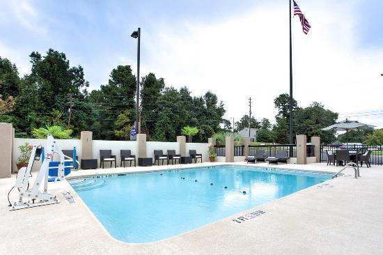 Outdoor Pool Picture of Hampton Inn & Suites Macon I 475