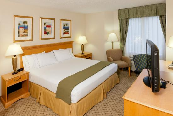 Holiday Inn Express Hotel & Suites Universal Studios Orlando: A King Bed guest room complete with WiFi, a coffee maker & more