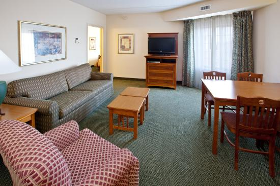 Two bedroom two bath suite picture of staybridge suites indianapolis fishers indianapolis for 2 bedroom suites in indianapolis