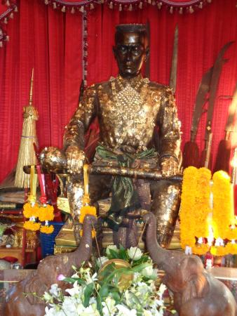 แม่สอด, ไทย: Statue of King Naresuan at Mae Sot