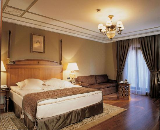 The Central Palace Hotel: Standard Superior Room