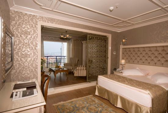 The Central Palace Hotel: Bosphorus Suite