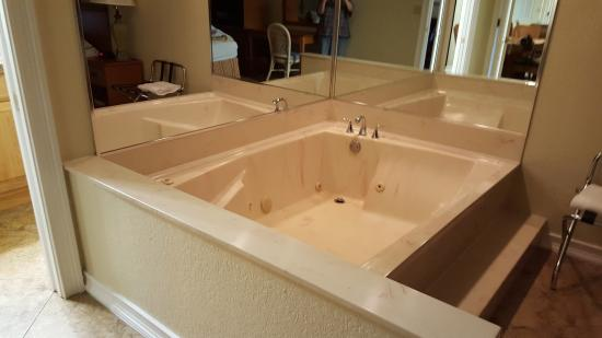 Jacuzzi Tub In Master Bedroom Picture Of Club Sevilla Kissimmee Tripadvisor