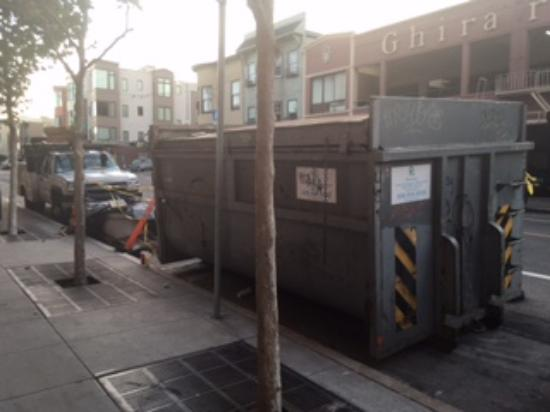 Fairmont Heritage Place, Ghirardelli Square: The Dumpster should have been a clue