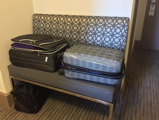 Built In Luggage Bench Perfect Picture Of Holiday Inn Express Hotel Cass Chicago Tripadvisor
