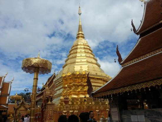 images (3)_large.jpg - Wat Phra That Doi Kham (Temple of the Golden Mountain)...
