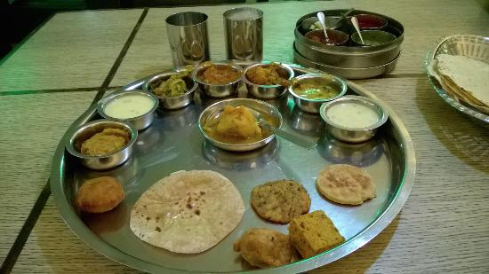 The 10 best vadodara restaurants 2016 tripadvisor for Aamantran indian cuisine