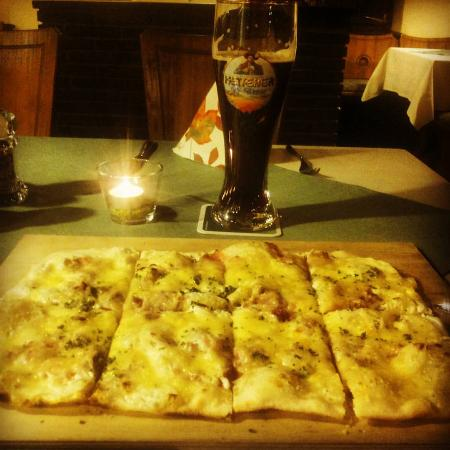Hausach, Germany: Flammenkuchen und Dunkel, yummyyyy cooked by the owner