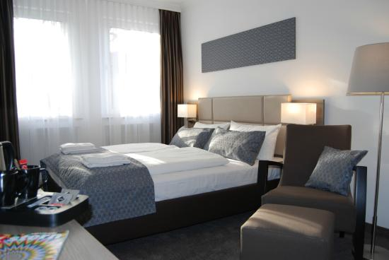 dom hotel am roemerbrunnen cologne germany hotel reviews tripadvisor. Black Bedroom Furniture Sets. Home Design Ideas