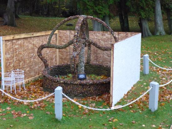 Northport, MI: Lots of art work on this one